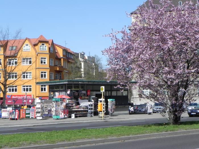 breslauer platz berlin friedenau rathaus friedenau wochenmarkt stra e platz. Black Bedroom Furniture Sets. Home Design Ideas
